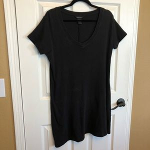 Moda Int'l.Black T-shirt Short Sleeved Mini Dress